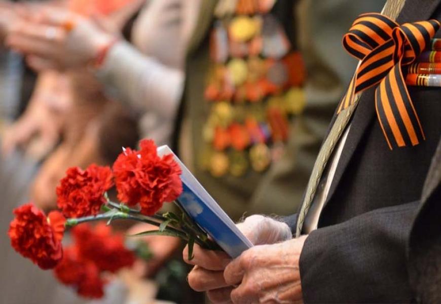 141214142 large - Президент Беларуси поздравил зарубежных лидеров с Днем Победы
