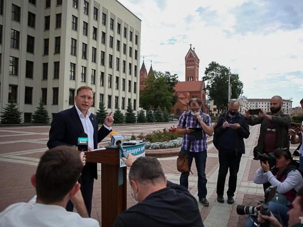 Андрей Дмитриев: назначьте новые выборы, которые дадут новый старт стране