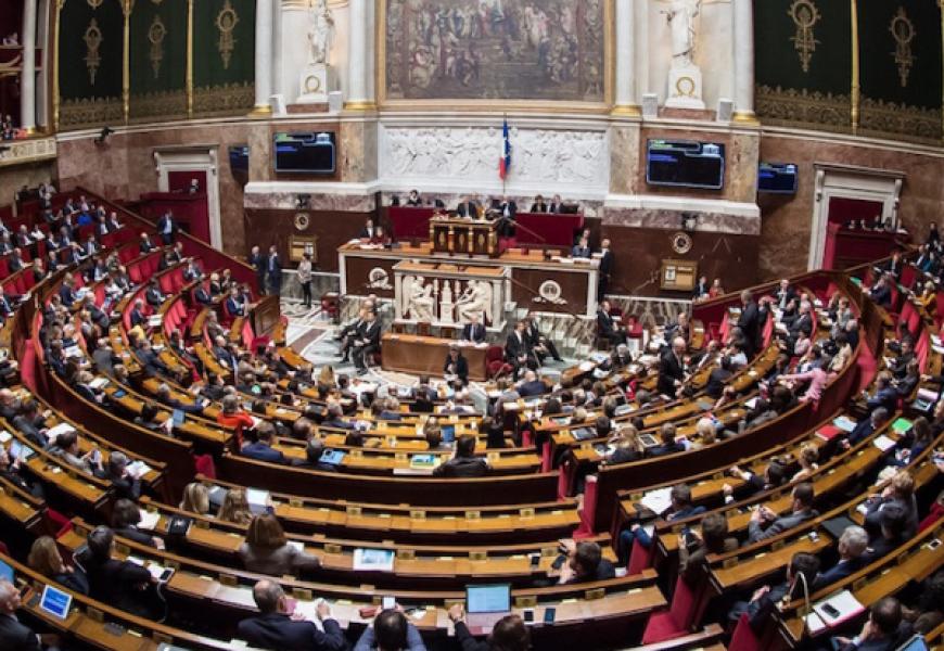 deputaty francii large - Франция: закон об укреплении республиканских принципов приняло 347 депутатов